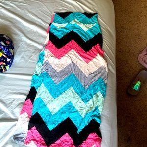 Chevron Maxi skirt. Fun & colorful 😊🌈